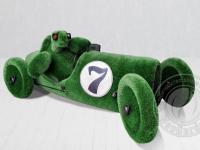 Топиари - Черепаха в ретро автомобиле