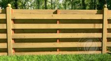 Горизонтальный забор из дерева